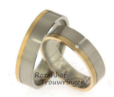 Mooie, neutrale trouwringen uitgevoerd in wit- en roodgoud. De ringen zijn 5 mm breed en zijn verdeeld in twee banen. De damesring is bezet met één schitterende diamant, deze is briljant geslepen. Deze trouwringen zijn leverbaar in 9, 14 en 18 karaat goud.