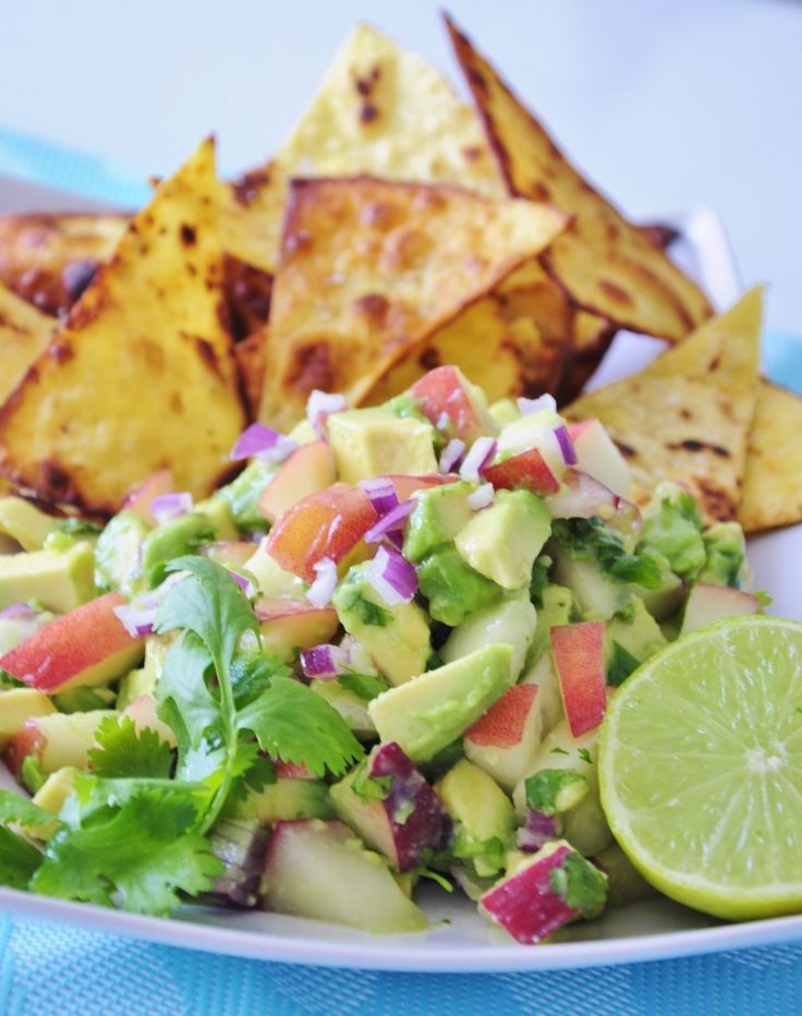 Avocado Peach Salsa Recipe with Coconut Oil Tortilla Chips! Fruity Summer Salsa dip that tastes like a party in your mouth:) #vegan #recipe #glutenfree #paleo #appetizer