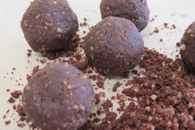 Michelle Bridges Cacao Fudge Balls