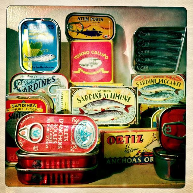 Sardientje in blik, typisch Portugees en tegenwoordig in hele leuke bijzondere verpakkingen