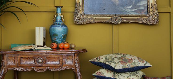 Schulze London interior design. #cushions #china #portrait #elegant #interior #design #gold #schulzelondon #london #antique #vintage #palm