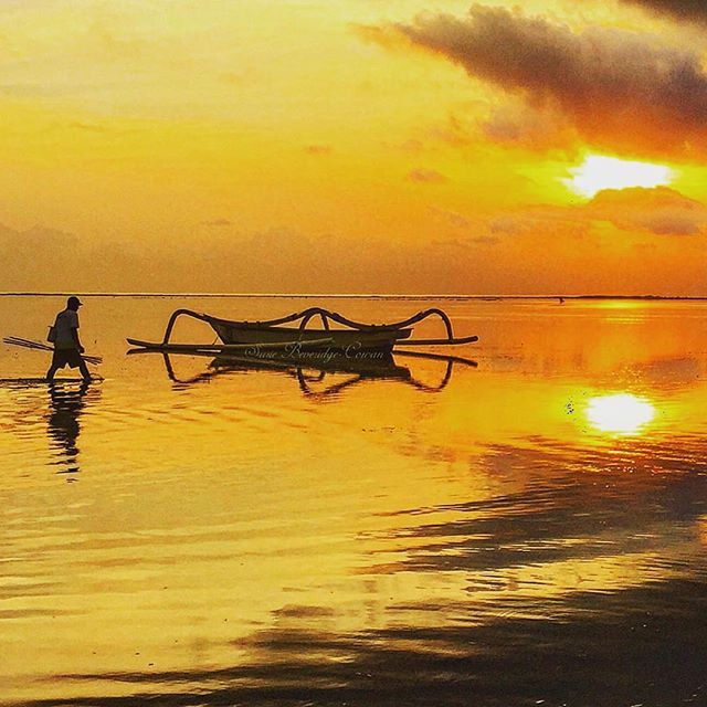 I love early mornings in Sanur when it feels like the rest of the world is still sleeping and it's just you the sunrise and the ocean  #RealBali -   Pic via @hotel_suite_travels -   Follow and Tag @realbali to Get Featured -   Use Hashtag #realbali to Get Featured