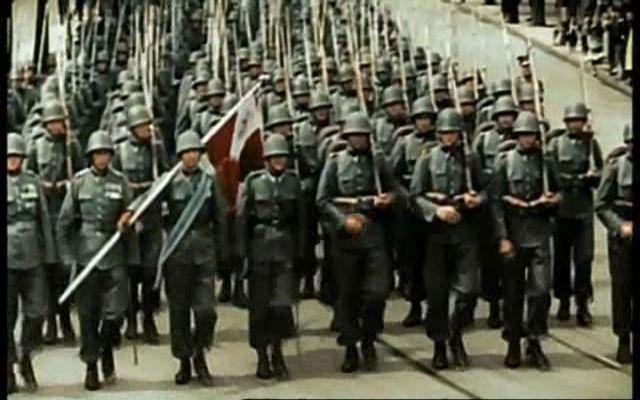 Parade de l'infanterie polonaise en 1939 - La Seconde Guerre Mondiale - Skyrock.com