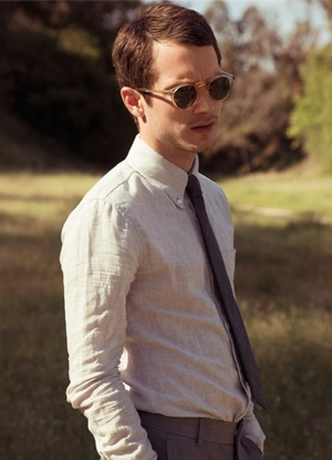 Elijah WoodGlasses Men, Fashion, Famous People, Elijah Wood Hot, Eyewear, Dude Style, Beautiful People, Man Steeze, Eye Glasses