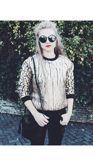 ELEVENPARIS's sweater is a must-have in my wardrobe!