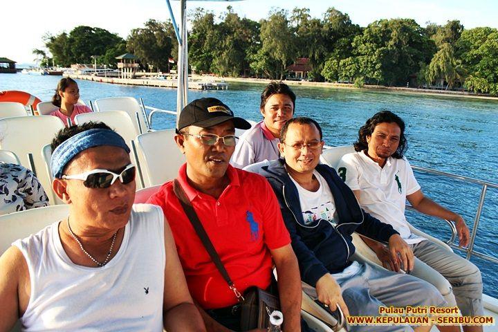 Kapal Sunset Pulau Putri