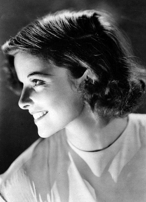 Katharine Hepburn, 1936 I sooooo wish I could have this hair cut and have it work on me!