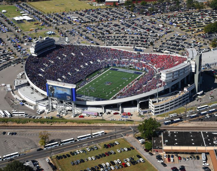 Are you a Kansas State or Arkansas fan traveling to Memphis for the 2016 Liberty Bowl? You've come to the right place. Here's your cheat sheet for making the most of your long weekend i…