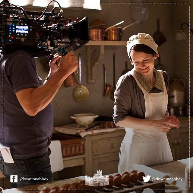 A bit of a giggle during the filming of #DowntonAbbey #Series4. Marvellous! #Downton #Behindthescenes #Camera