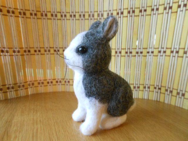 Plstěný králíček -felting rabbit