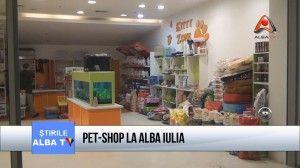 De aproximativ o luna de zile, in complexul comercial Alba Mall din Alba Iulia s-a deschis un cochet magazin de tip pet-shop, care ofera iubitorilor de animale, intr-un cadru exotic, o gama variata de produse, pesti, catelusi, pasari, iepurasi, broaste testoase si alte specii rare de animale. Pet-shopul apartine doctorul veterinar Horia Morutan.