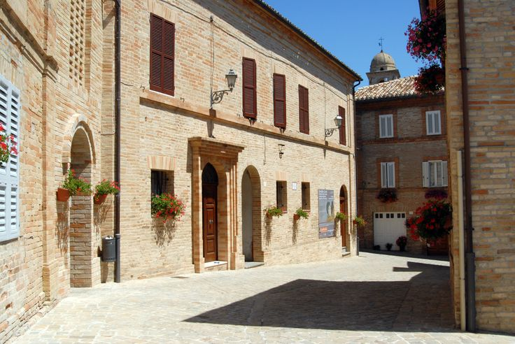 Palazzo municipale #marcafermana #montevidoncorrado #fermo #marche