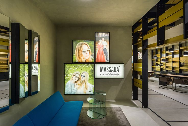 XYZ Arquitectos Associados - Óptica Médica Rogério - Matosinhos - Portugal - interior design - optical store - Strip chair Henge - Aim pendant light Flos - Serpentine sofa Moroso