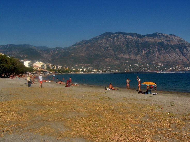 The beaches of Kalamata stretches from the Filoxenia Hotel at the eastern end of the bay, up to the harbour in the centre of town