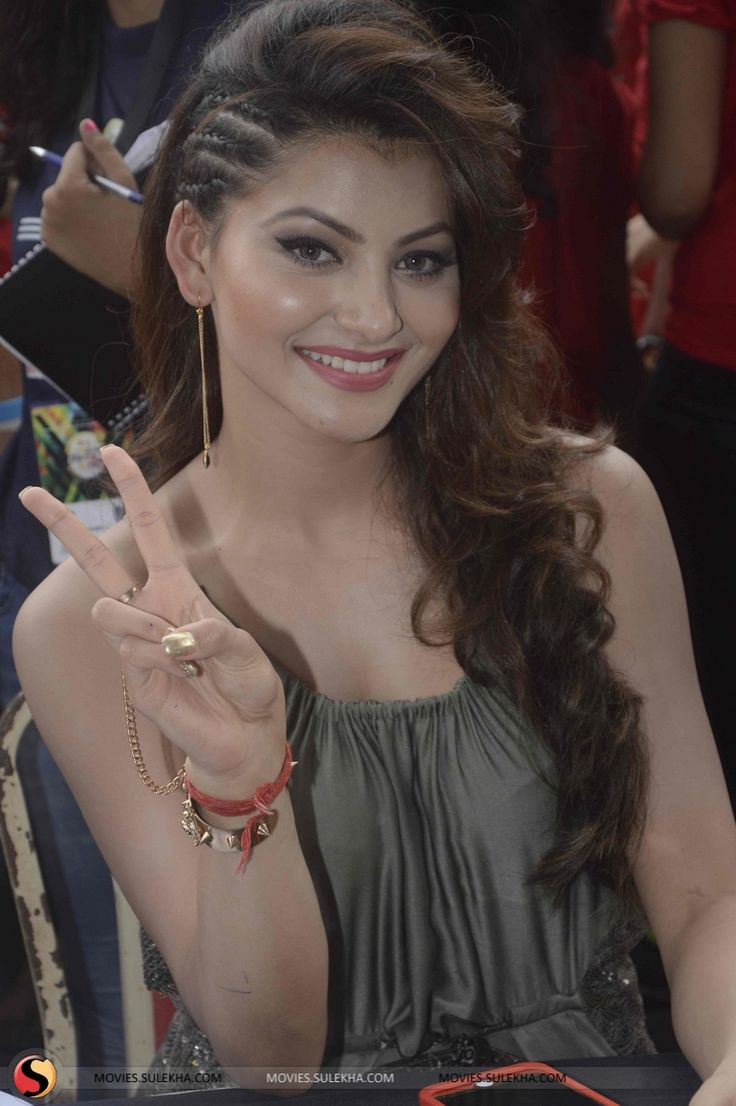 21 Best Images About Urvashi Rautela On Pinterest Stand