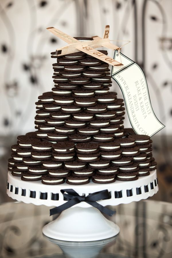 An Oreo Cookie Wedding Cake!   Cariad Photography   See More: http://heyweddinglady.com/spring-green-southern-wedding-with-a-travel-theme/