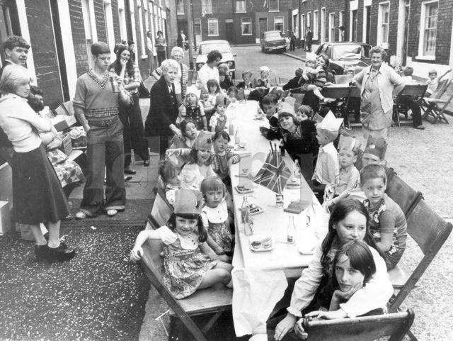 12th of July 1976 - Street Party, James Street, Shankill ...