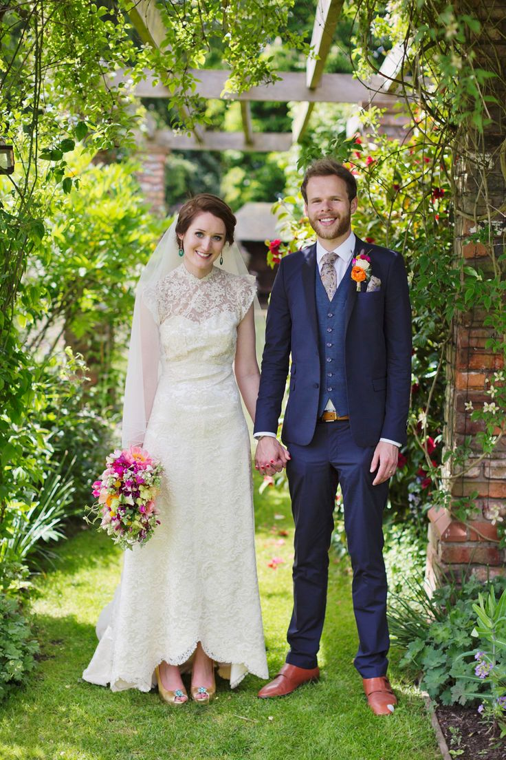 A Delightfully Colourful And Handmade 1940 S Vintage Inspired Wedding