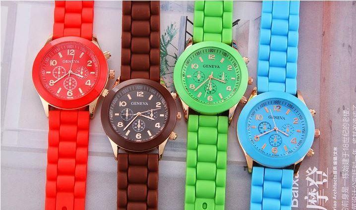 Zegarek  #zegarek #brazowy #czerwony #zielony #niebieski #sprzedam #dodatki