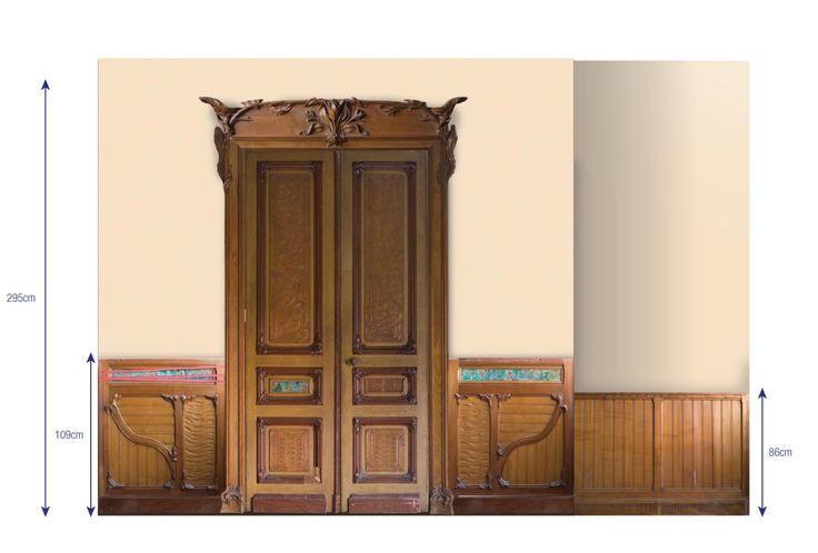 Великолепная деревянная обшивка комнаты с каминов в стиле Ар Нуво из скульптурного орехового дерева, капа, сосны, украшенная керамикой.