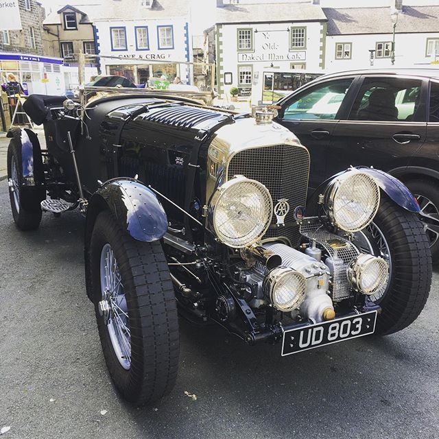 Beautiful Bentley Blower 1925 in small village Settle in Yorkshire Dales 🇬🇧 #design #cars #vintage #beautiful #beautifuldestinations #travel #unitedkingdom #australian #village #