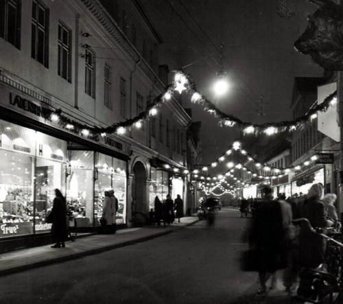 Juleudsmykning i Vestergade 1949.