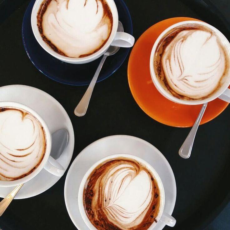 CAPPUCCINO TIME ☕️☕️ #goodmorning #breakfast #breakfasttime #coffee #coffeetime #brioches #croissant #freshfromtheoven #milk #cosebuone #cappuccino