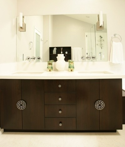 vanity, hardware, bathroom, modern design, interior design, home decorVanessa De, Asian Style, Contemporary Bathrooms, De Vargas, Design Interiors, Bathroom Vanities, Cabinets Hardware, Los Angels, White Cabinets