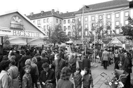 'Konsum Markt in Merseburg' von ddrbildarchiv.de 30.10.1976