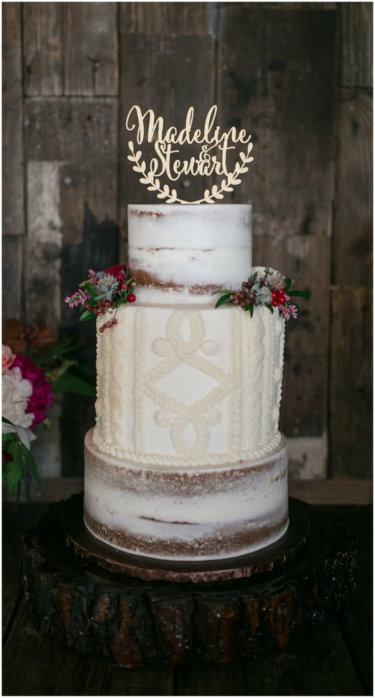wedding cakes estes park 250 best winter weddings images on winter barn 24323