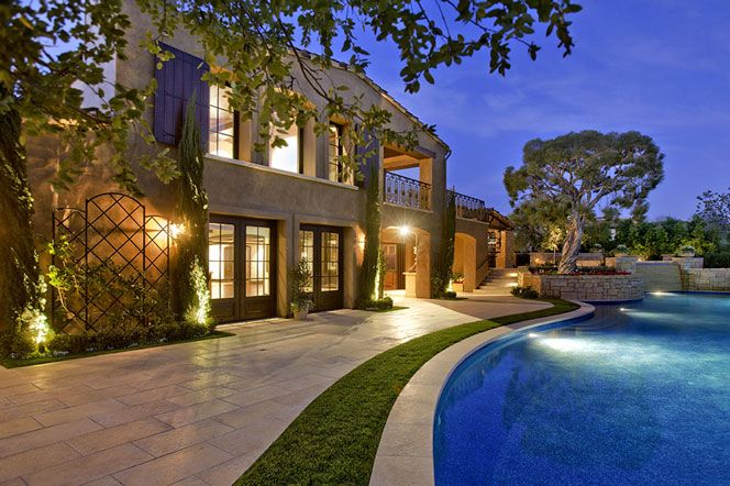 1000 ideas about infinity edge pool on pinterest for Laguna beach homes for sale