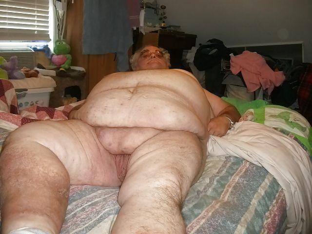 Anabelle nude erotic flashy babe