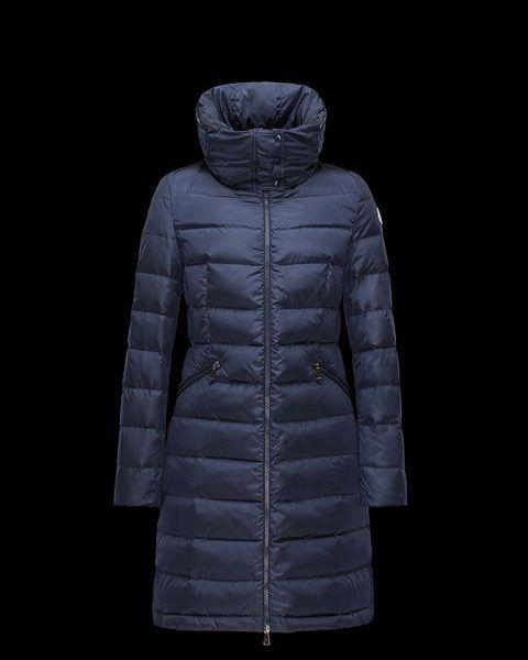 Moncler FLAMMETTE Donker blau Lang donsjack. Lange jas in gewatteerde nylon met band in de taille en verborgen capuchon. Hoogwaardige water-repellency