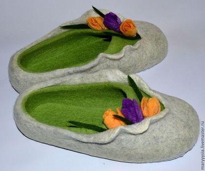 """Обувь ручной работы. Ярмарка Мастеров - ручная работа. Купить тапочки """" ... В окно повеяло весною.."""". Handmade."""