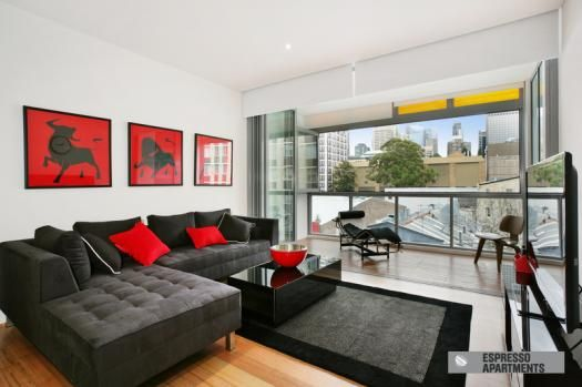11/66 Riley ST Darlinghurst.Set over two levels is this luxurious, bright & spacious 2 bedroom apartment, offering large open plan living, modern bathroom and kitchen w...