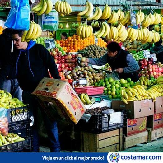 La Vega Central, en Santiago de Chile. Frutas, verduras, carne, pescado y también comidas preparadas y jugos frescos. Foto: labicicletaverde/ Flickr