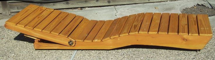 Outdoor Chaise Lounge Made From Pallet Wood