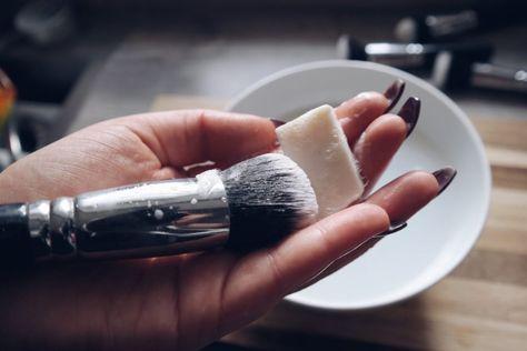 Make-Up Pinsel: Reinigung & Must knows