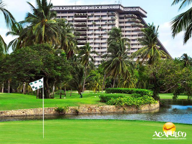 #infoacapulco Los campos de golf en Acapulco. INFORMACIÓN DE ACAPULCO. Acapulco cuenta con cuatro campos de golf de 18 hoyos, localizados en hoteles como Princess Mundo Imperial, Pierre Mundo Imperial, Vidafel Mayan Palace y Tres Vidas, además del Club de Golf Acapulco, que se encuentra en el corazón de la ciudad y es de 8 hoyos. Te invitamos a conocer más de Acapulco, durante tu próxima visita. www.fidetur.guerrero.gob.mx