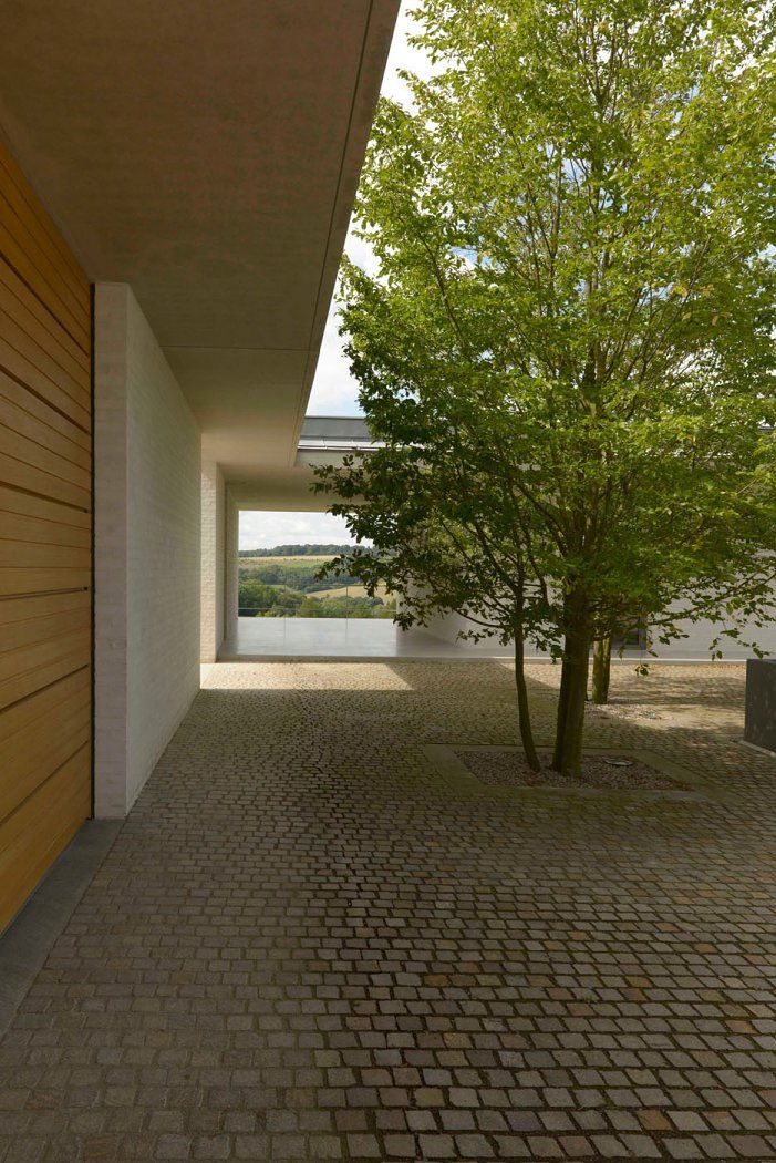 contemporary courtyard || David Chipperfield Architects – Fayland House