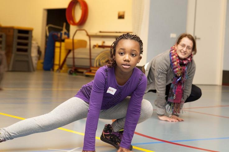 Wij zijn op maandag 11 maart 2013 al gestart met vrijwilligerswerk voor #NLdoet. Te gast bij Buurtonderneming Woensel West om het kindermatinee te verzorgen. Meer weten over deze #Buurtonderneming? Bekijk dan hun site: http://www.woensel-west.com/