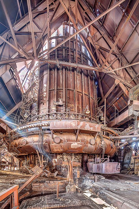 The abandoned Carrie Furnaces in Rankin, PA. Reminds me of Edward Scissorhands lol.