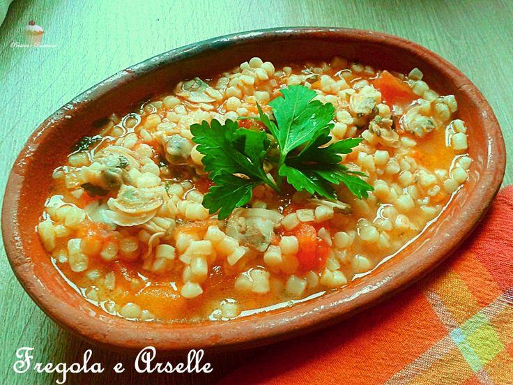 Oggi vi propongo un assaggio di Sardegna con questa delicata e gustosa minestra Fregola e Arselle