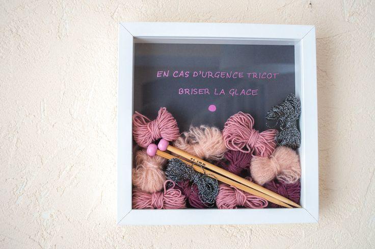 Bonjour, Vous n'en avez peut-être pas beaucoup l'impression car j'en poste peu, mais j'aime tricoter ( je m'y remets promis) … et j'aime acheter de la laine… Je l'utilise plus…