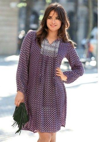 Šaty s potiskem a korálkovou náprsenkou #ModinoCZ #plussize #beauty #5xl