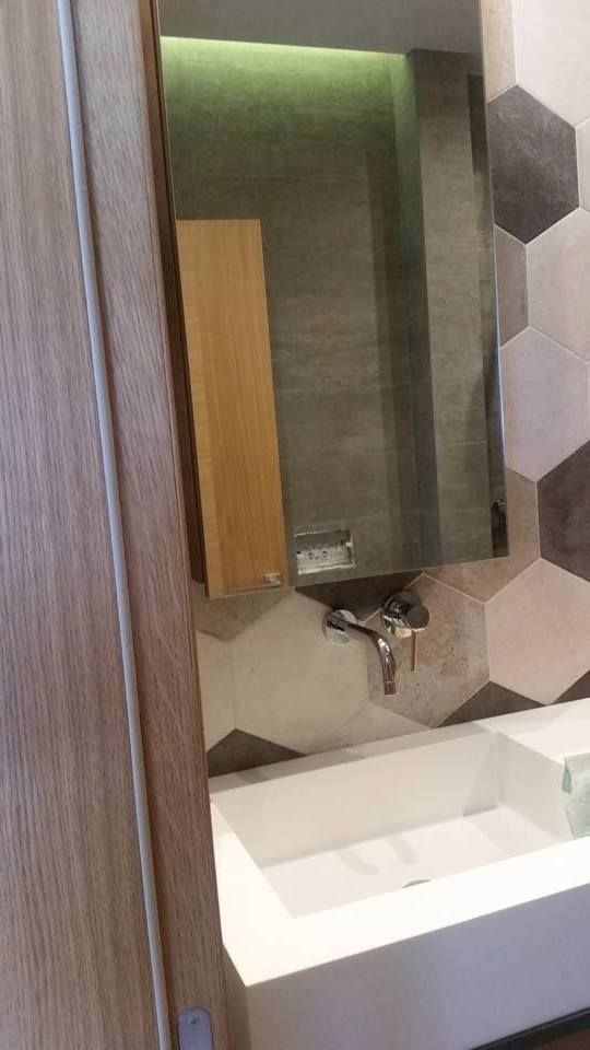 Bathroom l private house l construction by Petsis l corian by dupont