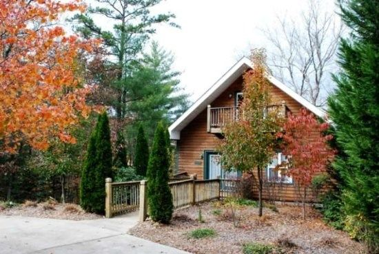 Helen Ga Cabin Rentals Cub Haus Quaint 4 Br Chalet With Amazing Views Places I Want To