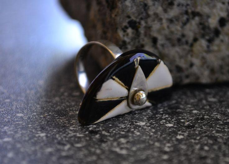 Ceramika i srebro. Ceramic ring.