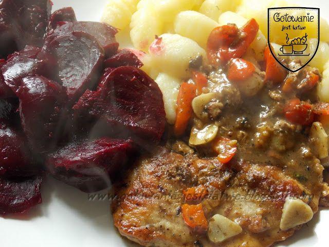 Gotowanie jest łatwe: Bitki we własnym sosie, gnocchi i buraczki w miodz...