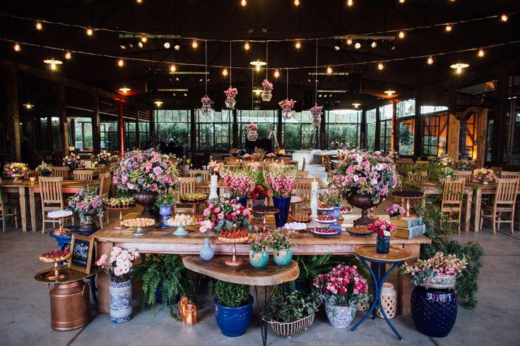 Casamento Romântico no Hotel Villa D'Angelo – Carol e Jorge http://lapisdenoiva.com/casamento-carol-e-jorge/ Foto: Rafael Covre